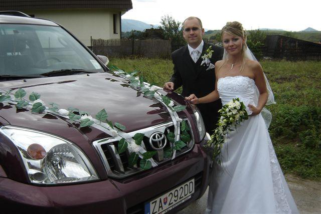 Anna Uhliariková{{_AND_}}Roman Hirner - auto, v ktorom sa viezol Roman