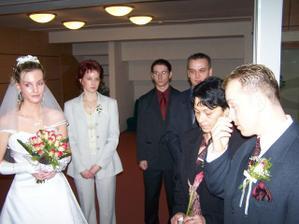 nevěsta, ženich a svědkové