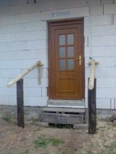 Zabezpečený vchod - kvůli kolaudaci