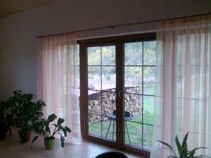 Výhled francouzkým oknem