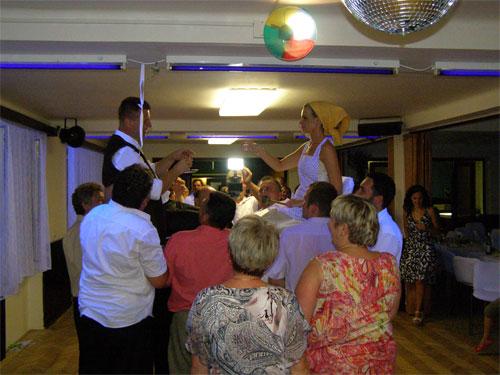 Úžasná svatba na Montelope - Radka a Radek - Čepení....
