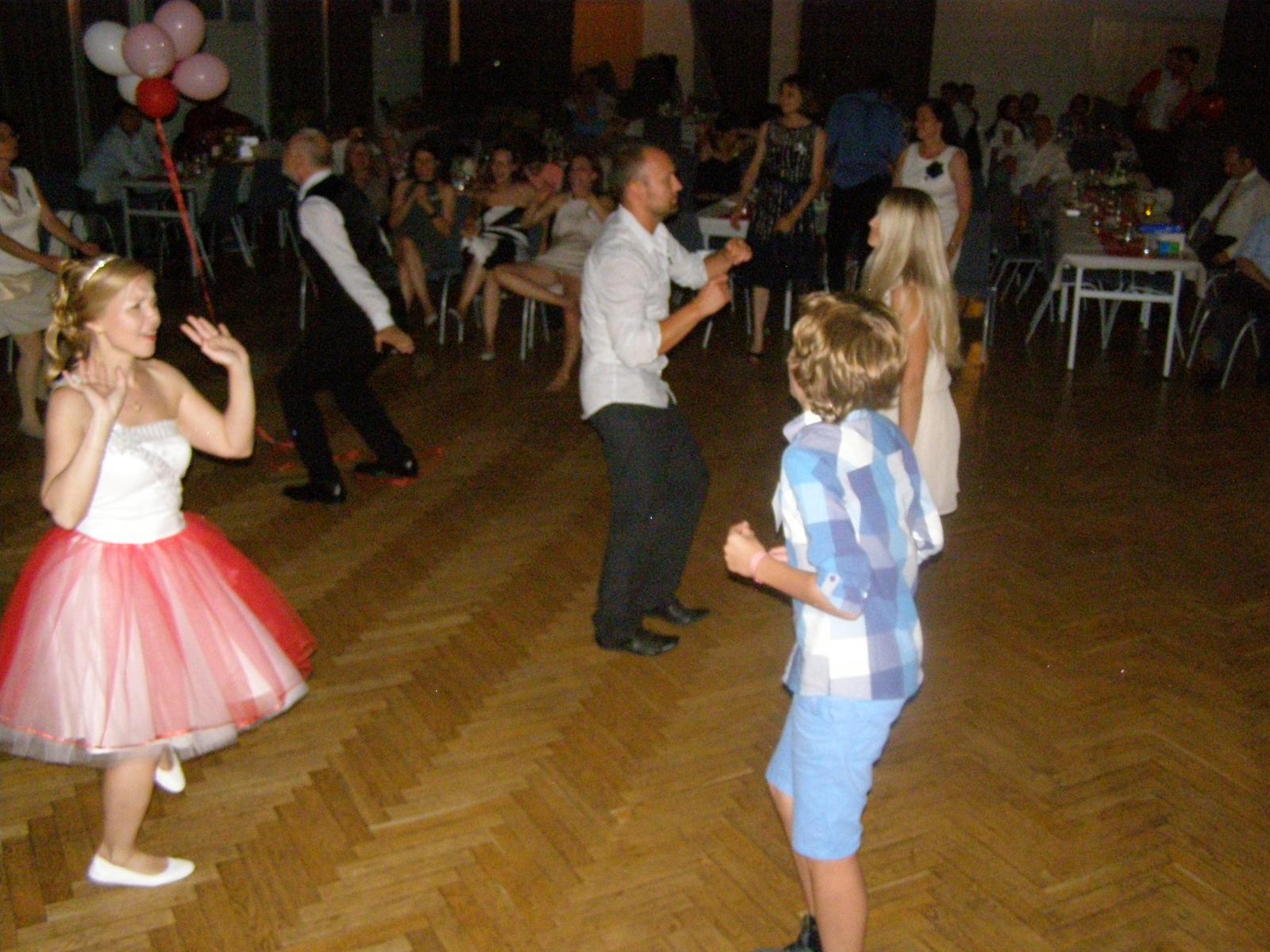Svatba Lída Čermáková & Jiří Haut - tančit na elektroswing se musí umět ....