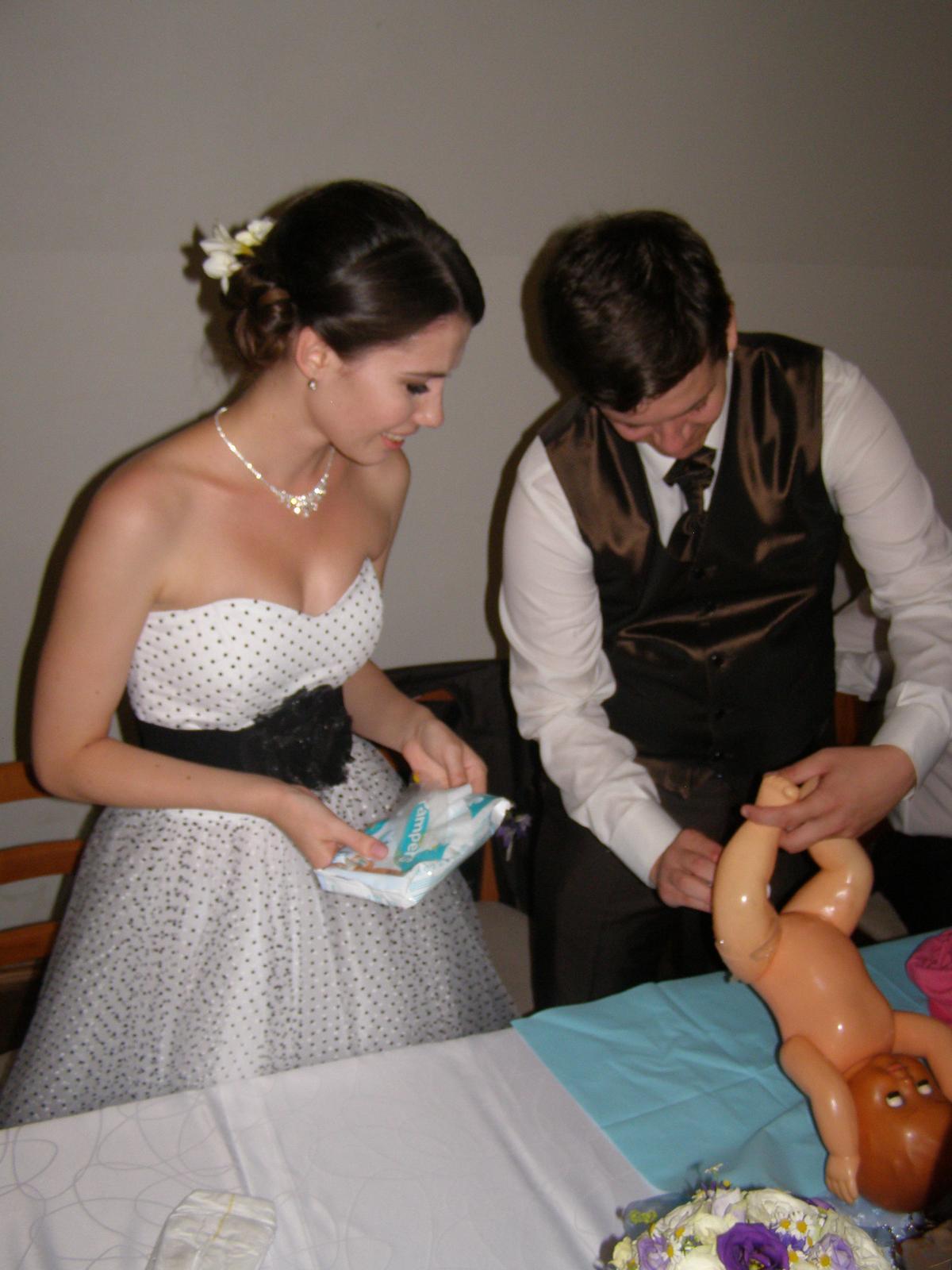 Pivovar Podlesí - svatba 2.9.2016 - ... zvládne li manžel péči o potomstvo je potřeba řádně prověřit..  :o)