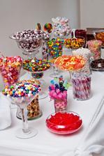 candy bar a letná svadba idú k sebe