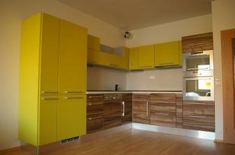 Tak kuchyň už stojí ;)