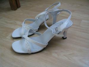 To jsou moje botky...aspoň je unosím v létě ;-)
