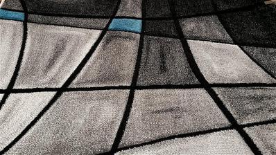 už kúpený tento koberec do obývačky takže vyhralo predsa toto sfarbenie siva, bielo, čierno modré ..tešiiiim sa uz nech je všetko dokončené :)