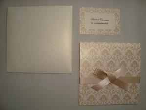 obálka na oznámení, oznámení a pozvánka na hostinu.. se stejným vzorem jsou i jmenovky. Jsem nadmíru spokojená :-)