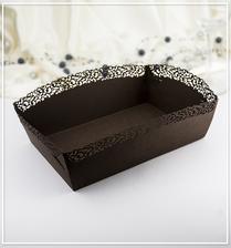 košíčky na koláčky.. budou rozmístěné na svatební tabuli