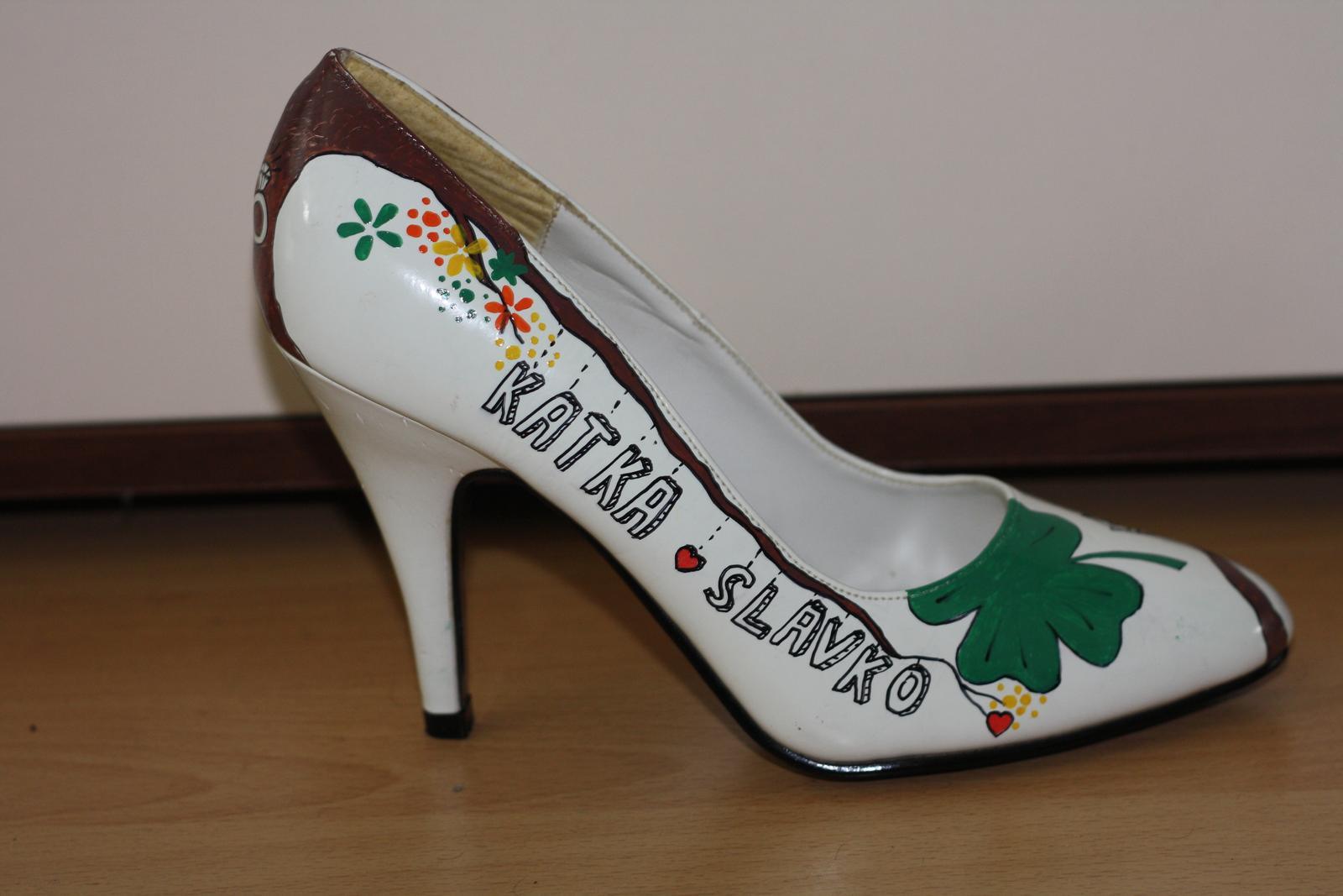 Svadobné a iné ručne maľované topánky - moje :)