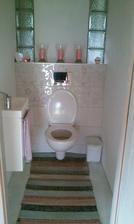 Rýchle zariadenie wc, pred svadbou. Dokončovanie neskoršie