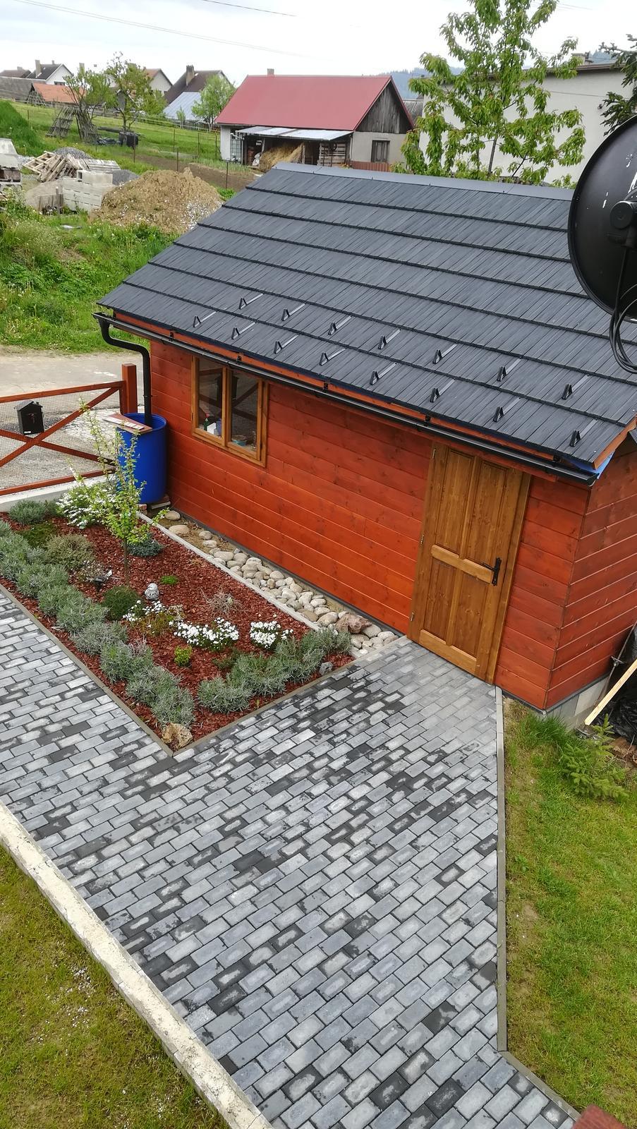 Drevený dom - drevená garáž - Obrázok č. 30