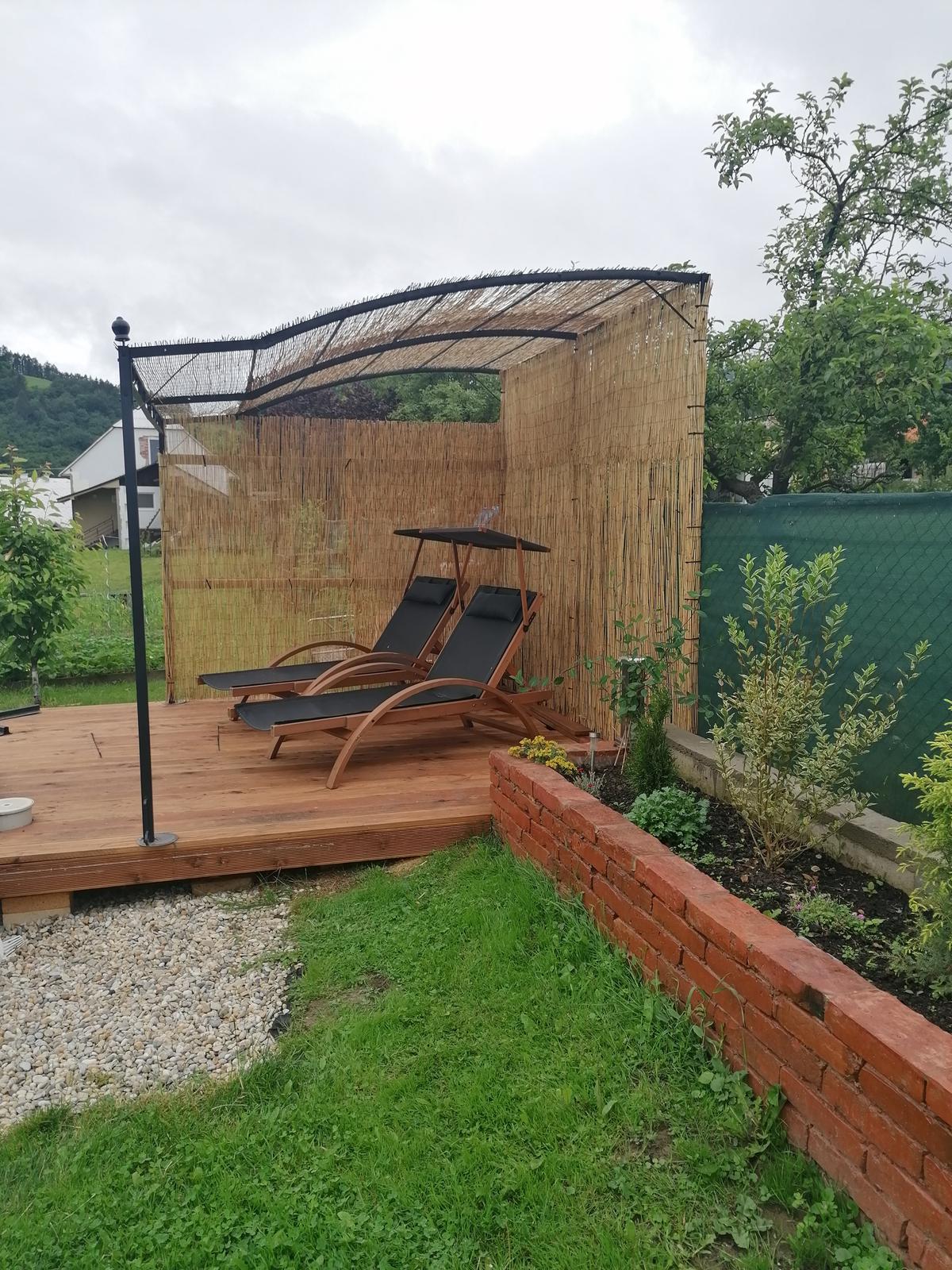 Náš veľký sen o drevenom domčeku! - Hotovo. Na strechu sa dala ešte strešná fólia a nepremokavá plachta čo tam bola pôvodne.