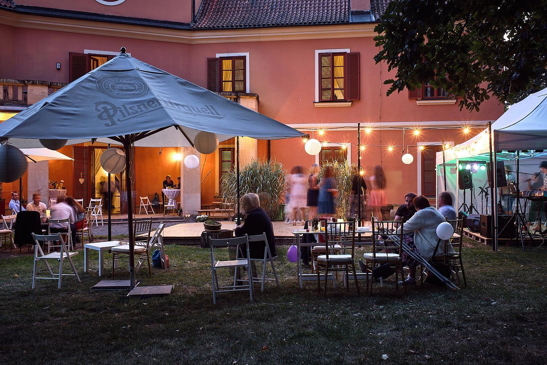 krásná svatba na Zámku Černice - Adéla a Václav - Obrázek č. 27