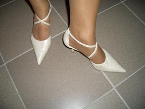 moje topánky - čo som sa nabehala :-)))