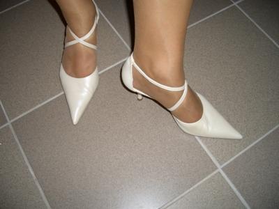 Lenka a Richard - naše prípravy - moje topánky - čo som sa nabehala :-)))