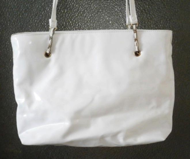 Větší bílá + zlatá kabelka  - Obrázek č. 2