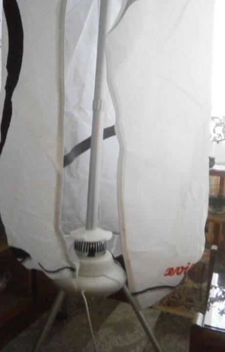 Sušička na prádlo skládací, nafukovací, přenosná - Obrázek č. 2