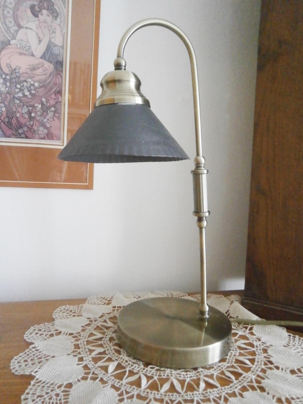 Retro kovová lampa - Obrázek č. 1