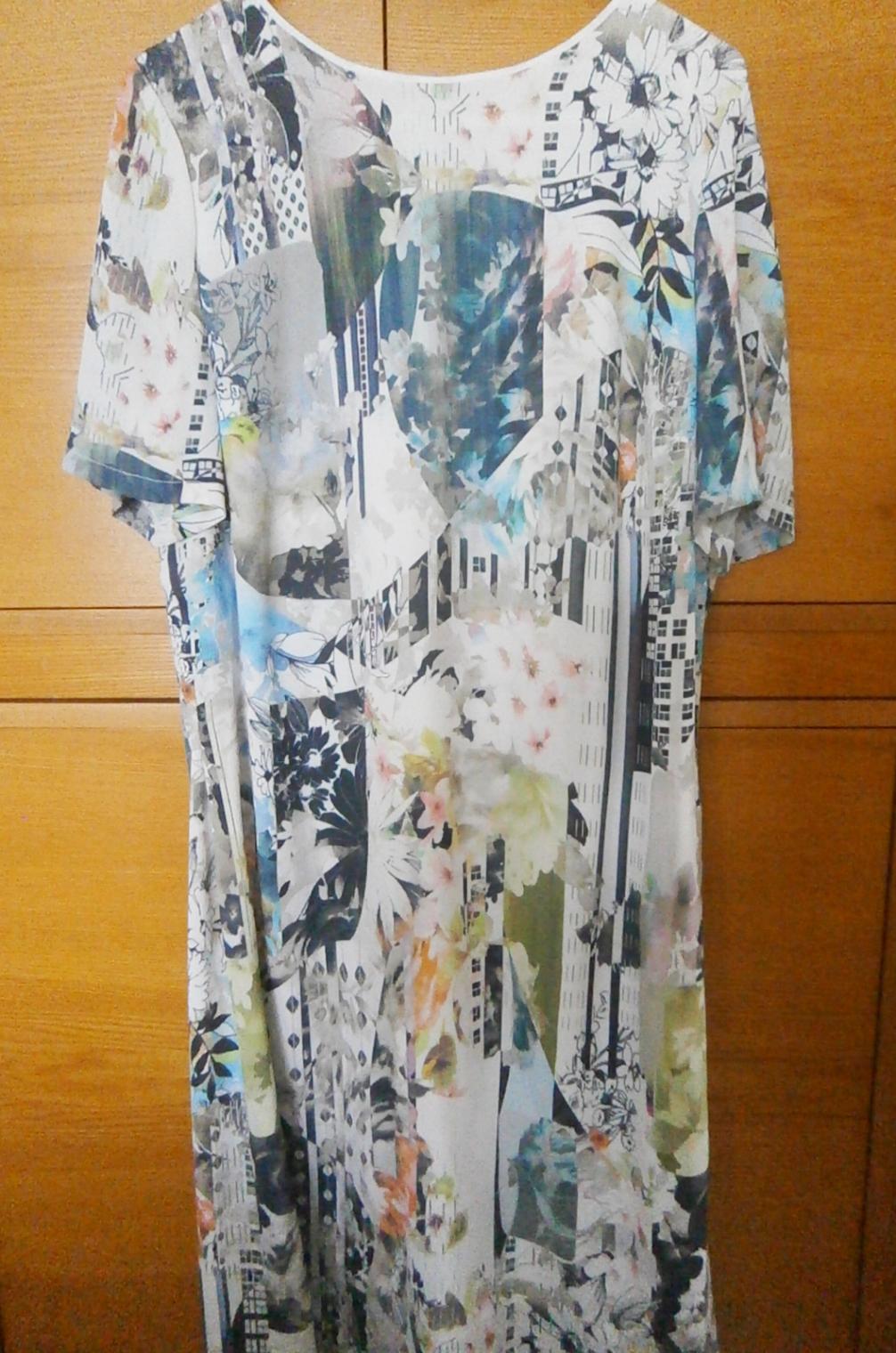Lehké šaty s podšívkou - Obrázek č. 1