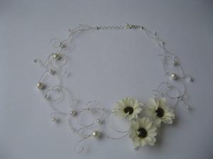 druhá varianta - náhrdelník, místo kopretin bude hypericum