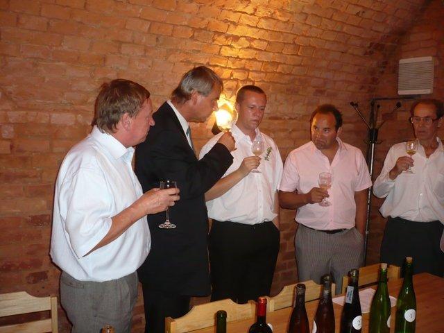 Zdenka{{_AND_}}Rosťa - svatební košt vín a dalších dobrot
