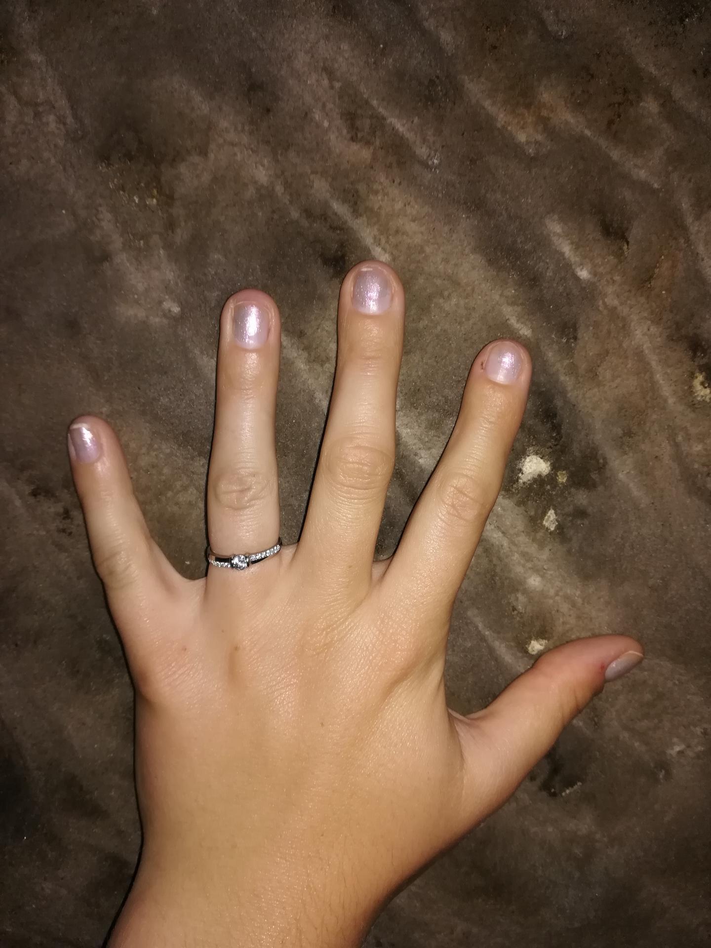 Zdravím všechny nevěsty 😊 Zásnuby 💍 1.9.2020 😊 - Obrázek č. 1