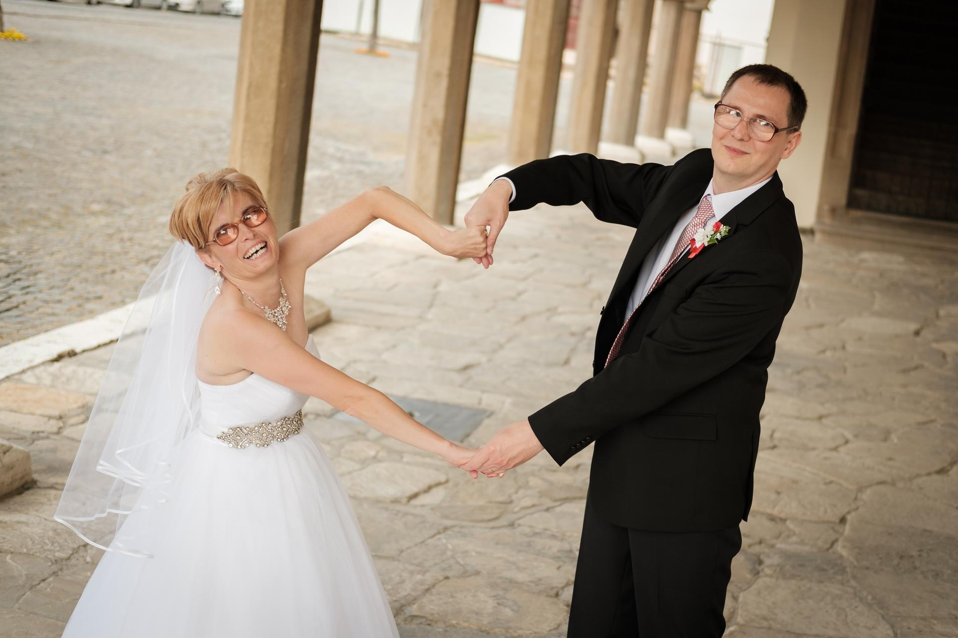 Dnes  oslavujeme s manželom 3. výročie sobáša. Stále je to krásne, ako keď sme sa pre tromi rokmi brali. - Obrázok č. 1