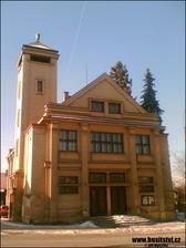 """Husitský kostel v Heřmanově Městci (východní Čechy). S trochou výzdoby bude kouzelný. A navíc jen 5 minut jízdy od """"nás"""""""