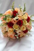 Svadobná kytica marhuľovo-červená,