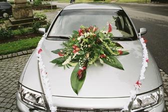 krásně vyzdobené auto