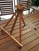 Dřevěný stojan na obrázek na stůl ,