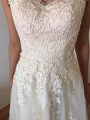 Nepoužité jednoduché svadobné šaty, 38