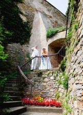 romantika na zámeckých schodech