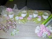 svatební růžovo-zelená výzdoba,