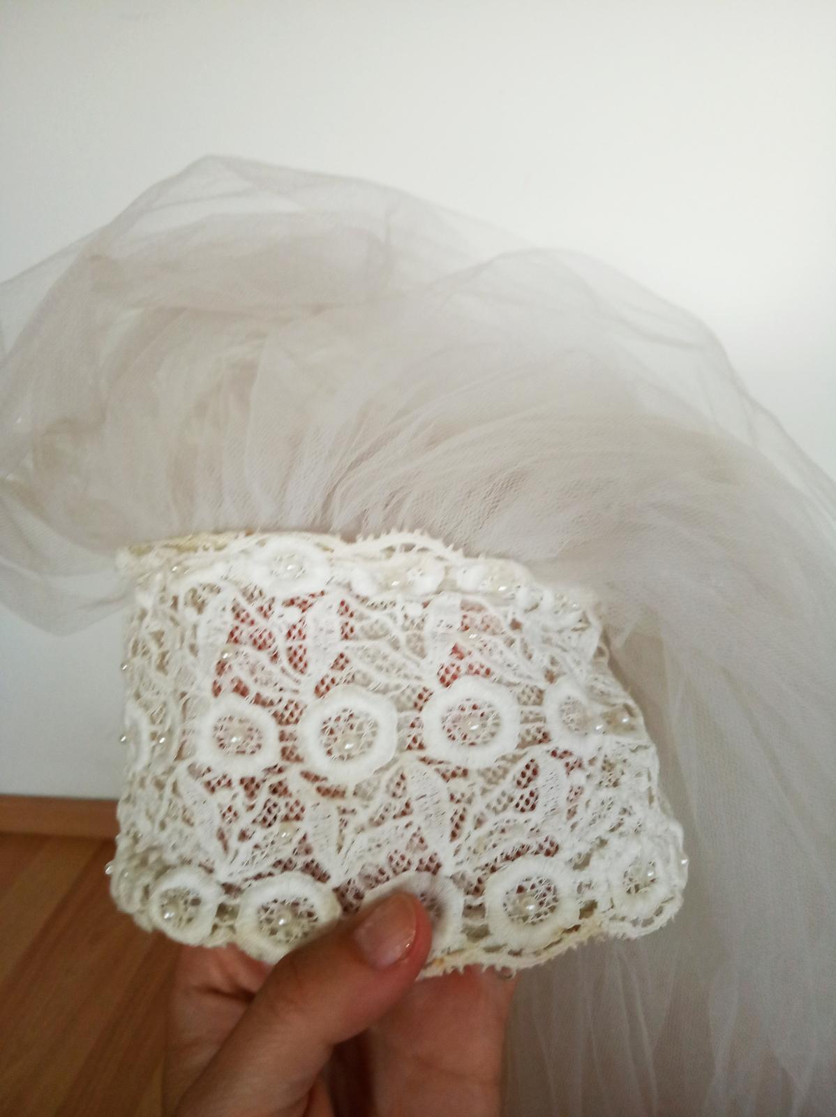 Závoj s celenkou s perlami - Obrázek č. 2