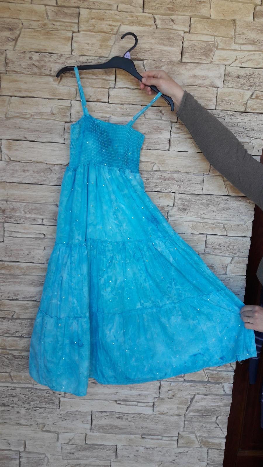 Svetlomodré batikované šaty   - Obrázok č. 3