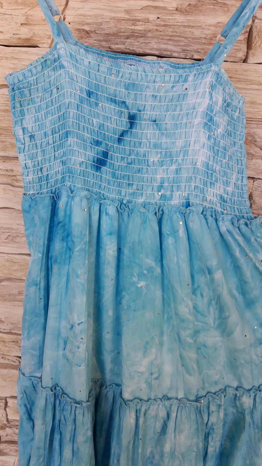 Svetlomodré batikované šaty   - Obrázok č. 4