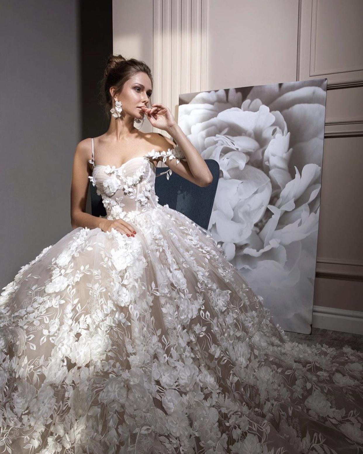 Svatební šaty ZEMFIRA - Obrázek č. 5