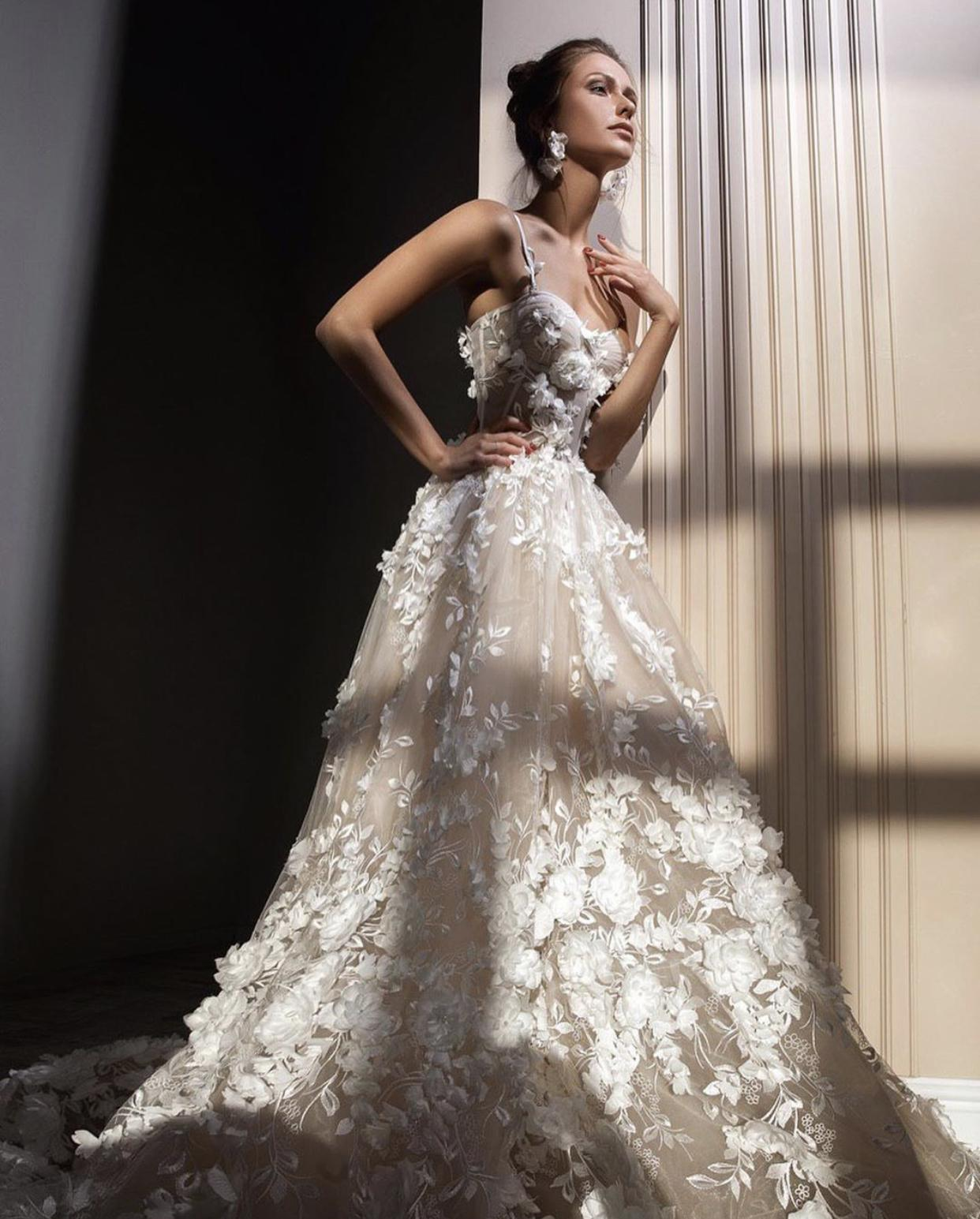 Svatební šaty ZEMFIRA - Obrázek č. 4