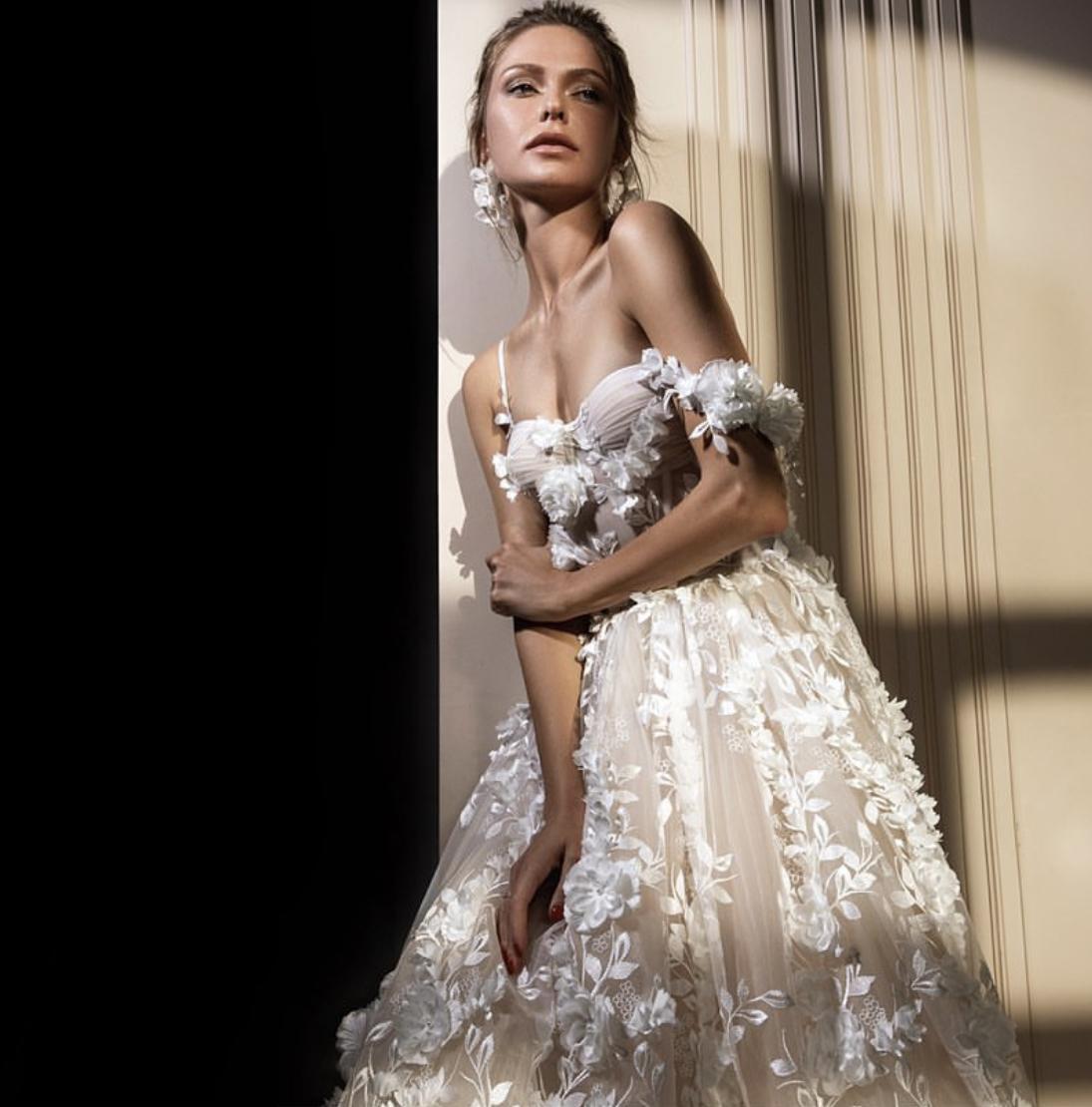 Svatební šaty ZEMFIRA - Obrázek č. 1