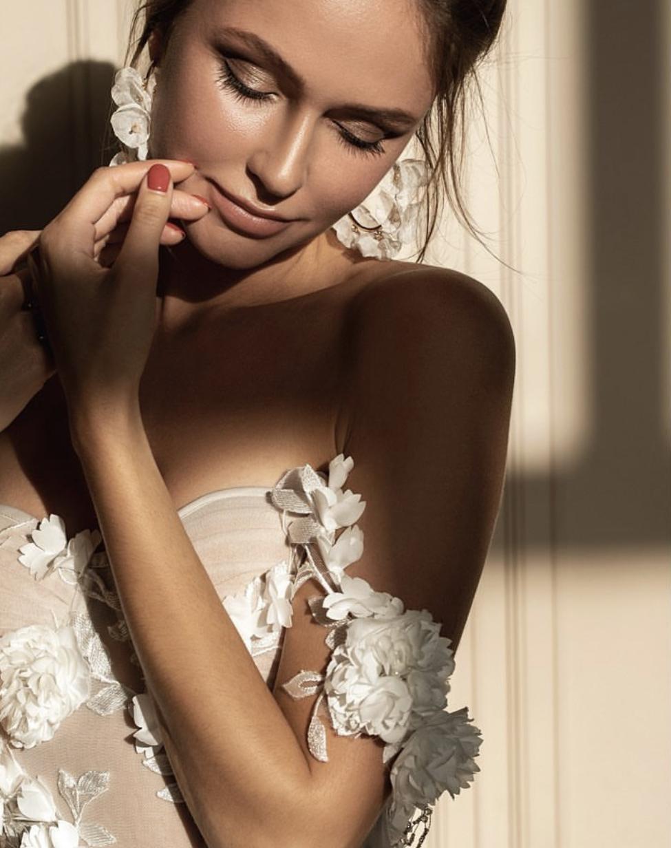 Svatební šaty ZEMFIRA - Obrázek č. 2