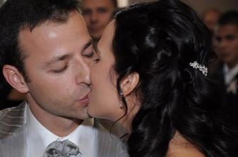Prvý manželský bozk:-)