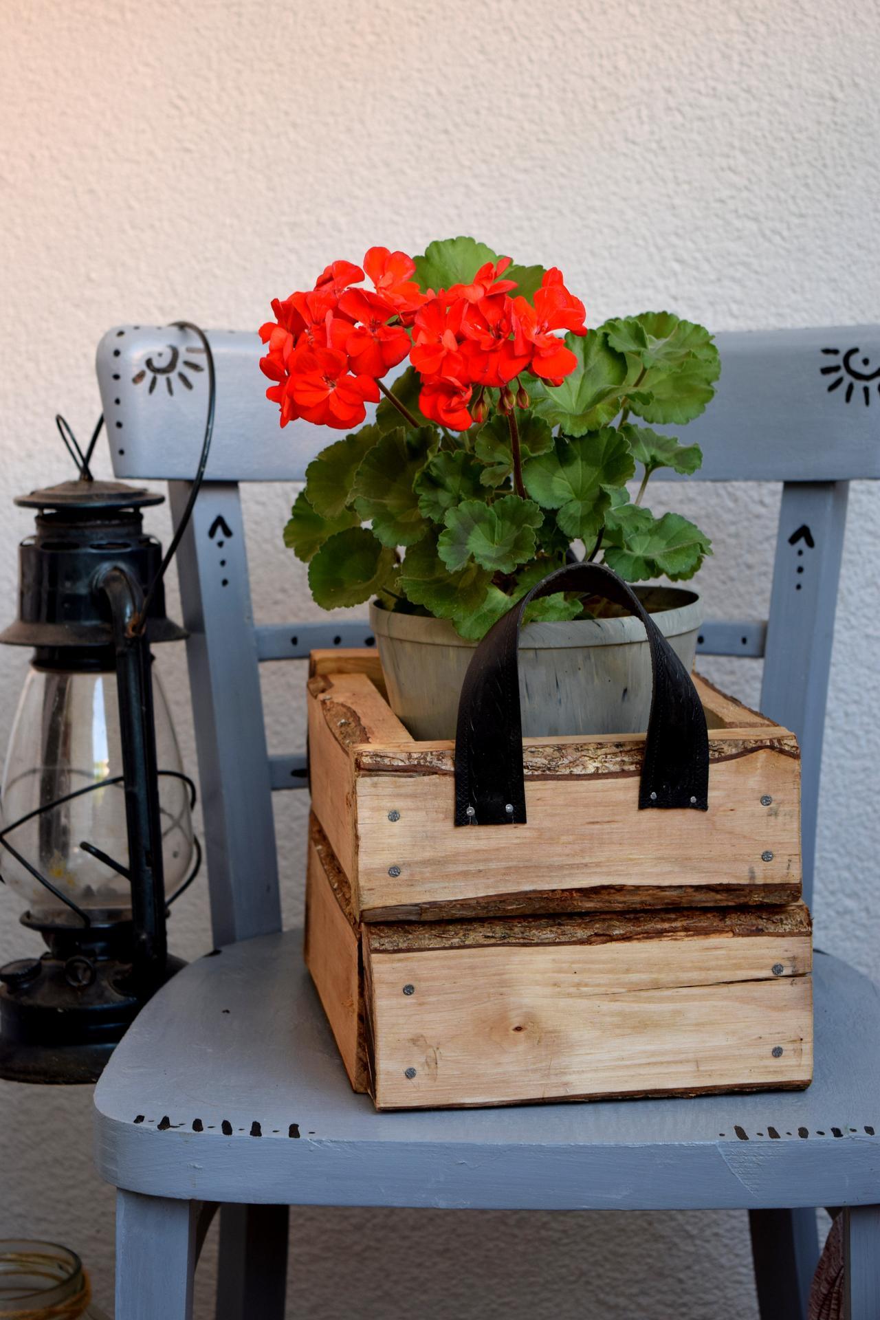 Leto na balkóne - DIY detial, kvetináč.