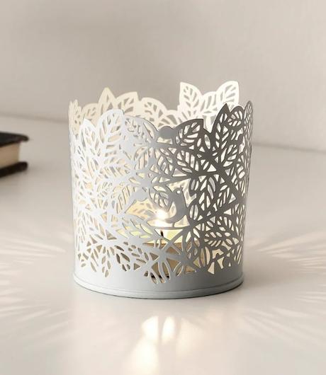 Bílý květináček (stojan na svíčku) - Obrázek č. 1