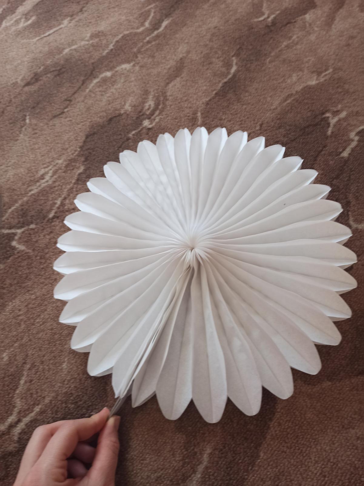 Lampióny bílý - Obrázek č. 1