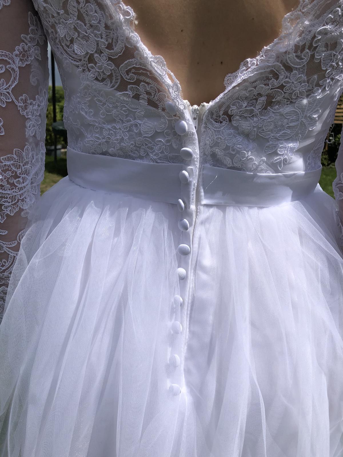 Krásné nové svatební šaty s tylovou sukni - Obrázek č. 3
