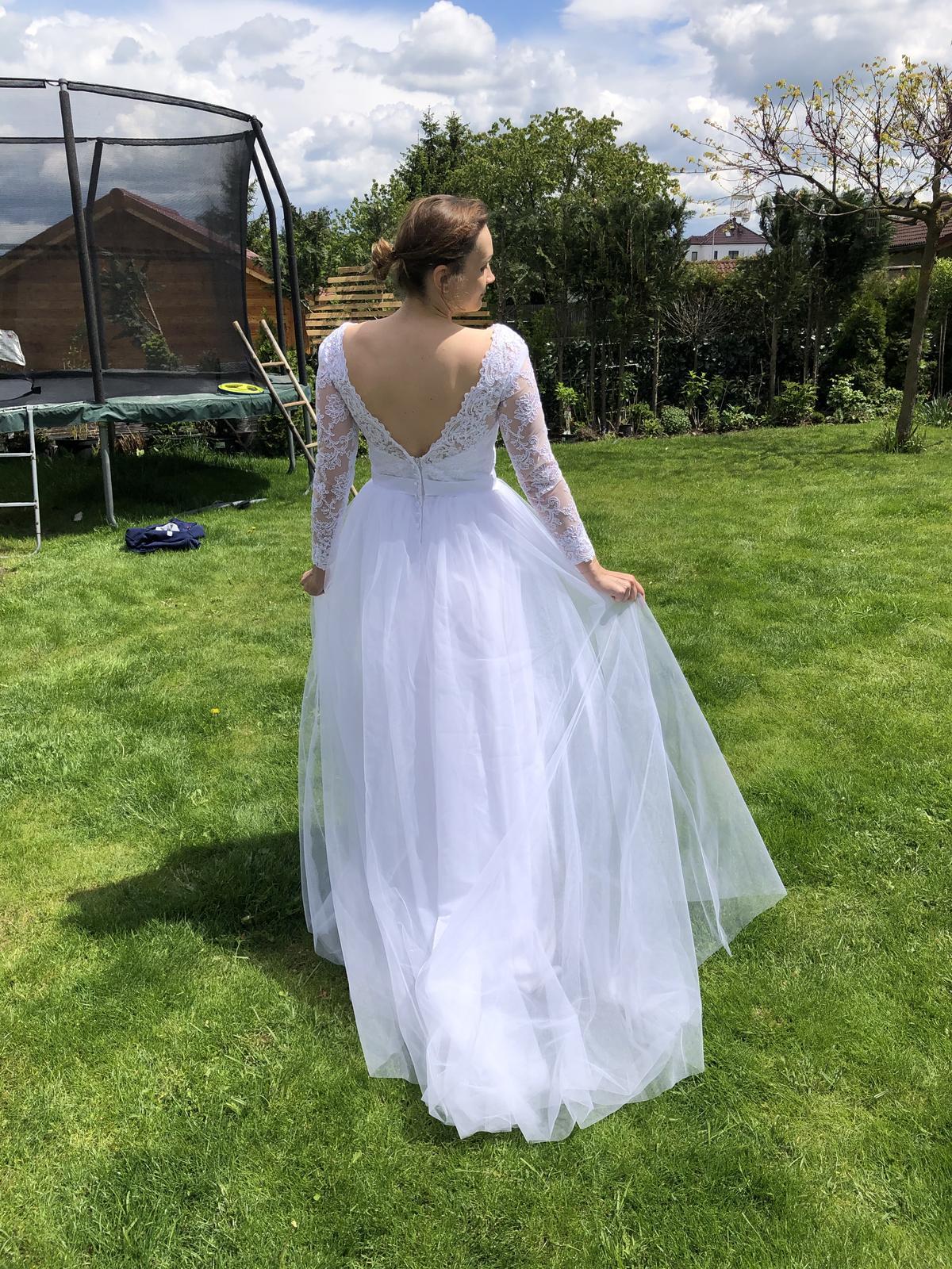 Krásné nové svatební šaty s tylovou sukni - Obrázek č. 4