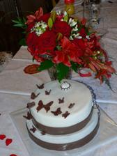 Kytice a dort.