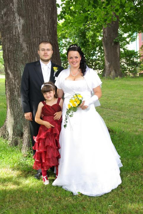 Jarmila{{_AND_}}Štefan - Tak a uz sme oficialne rodina :-)